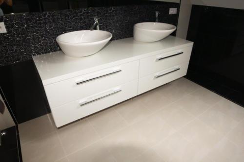meble łazienkowe 11
